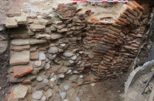 Détail des fondations du « Logis de l'Écu » bâti entre 1538 et 1541.