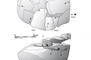 Analyse d'un remontage d'éclats sur un nucléus en quartzite