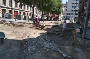 Rouen, Saint-Eloi, mise au jour d'un chemin pavé moderne (XVIIIe ou XIXe)