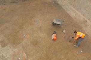 Un cercle funéraire de 3 000 ans et un habitat du haut Moyen Âge mis au jour à Ercé-près-Liffré (Ille-et-Vilaine)