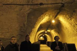 Champagne Taittinger mécène une collection exceptionnelle d'objets archéologiques rémois