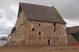 6-8-4 Vue générale du manoir de Vassé à Torcé