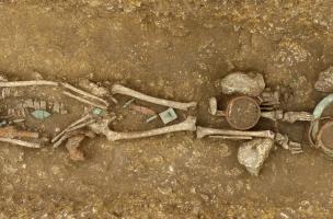 Une nécropole mérovingienne complète mise au jour à Évrecy, dans le Calvados