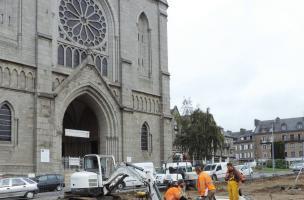 Le cimetière et l'église modernes de la paroisse Saint-Germain à Flers (Orne)