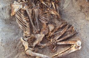 exemple de mise en scène dans une sépulture