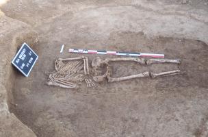 Moussey - sépulture sans tête du silo de La Tène A2-B1