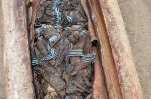 Tombe de Kyys, la jeune fille chamane (Iakoutie)