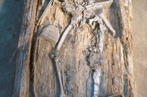 Tombe masculine datée du 17e siècle (Iakoutie)
