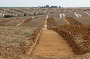 Diagnostics archéologiques à Etricourt-Manancourt (Somme) sur le canal Seine-Nord Europe, 2009.