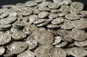 1111 d'argent, 51 de bronze et 3 d'or.