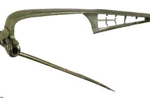 16 cm), période augustéenne, Bassing (Moselle), 2010.Un important mobilier militaire, gaulois et italique, a été mis au jour sur le site.