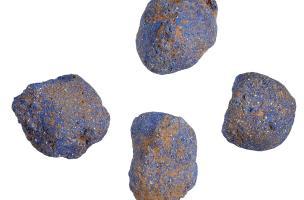 Colorant bleu à base de cuivre provenant d'Egypte, Iers. avant notre ère, établissement gaulois de Bassing (Moselle), 2010.