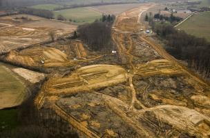 Les mines de fer du Bois de Beslan à la Milesse (Sarthe), 2013. L'opération a révélé la présence d'une grande mine de fer exploitée depuis la protohistoire.
