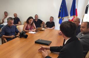 Vescovato, signature du bail en présence des journalistes