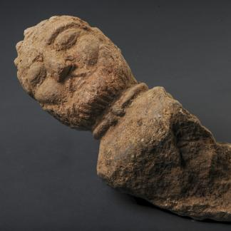 Buste d'un aristocrate gaulois avec un torque, retrouvé enfoui dans une fosse, Ier siècle avant notre ère