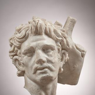 Tête de barbare. IIe-IIIe siècle. Découverte sur le site de villa de Chiragan (MartresTolosane). Conservée au Musée Saint-Raymond (Toulouse).