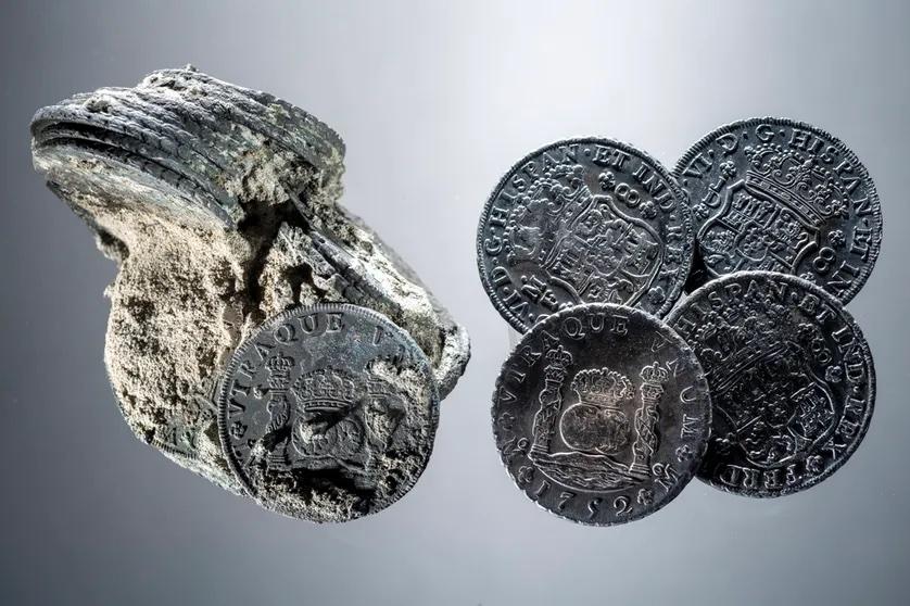 Exemple de piastres (monnaies) retrouvées dans l'épave de la Jeanne-Elisabeth.